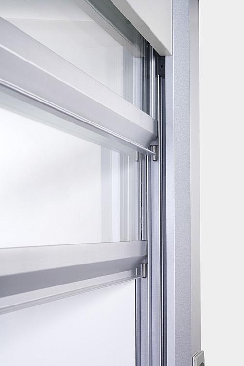 מבט מקרוב - חלון מנדף כימי